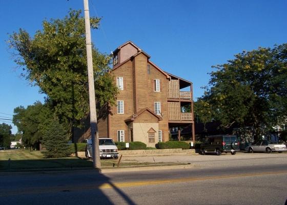 historic building in Hebron Illinois
